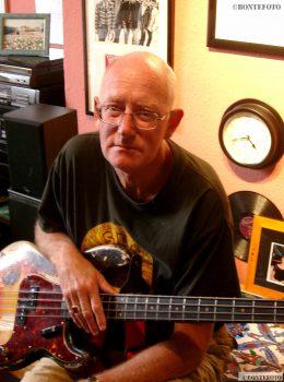 First Fleetwood Mac bass-player Bob Brunning © Eddy Bonte 2001